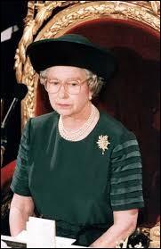 """Quelle année la reine qualifia-t-elle """"d'annus horibilis"""" ?"""