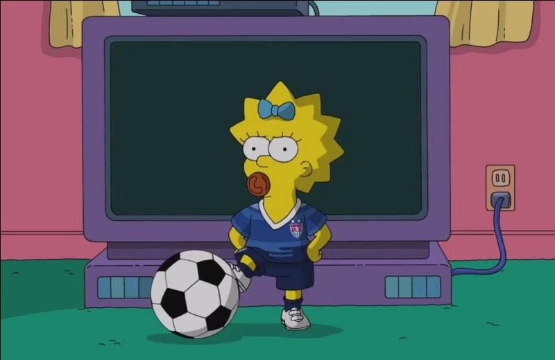 Quel est le prénom de la fille cadette de la famille Simpson ?