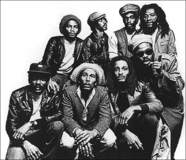 Quel était le nom du premier groupe de musique de Bob ?