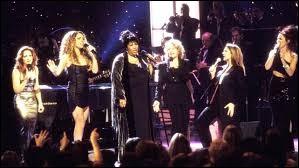 A quel événement caritatif participe t-elle en 1998 au coté de Mariah Carey, Céline Dion ou encore Shania Twain ?