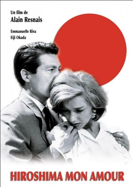 """""""Hiroshima, mon amour"""" est un film dont le scénario est signé Marguerite Yourcenar."""