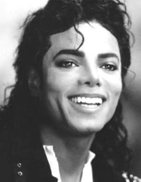 Aurais-tu pu être la petite amie de Michael Jackson ?