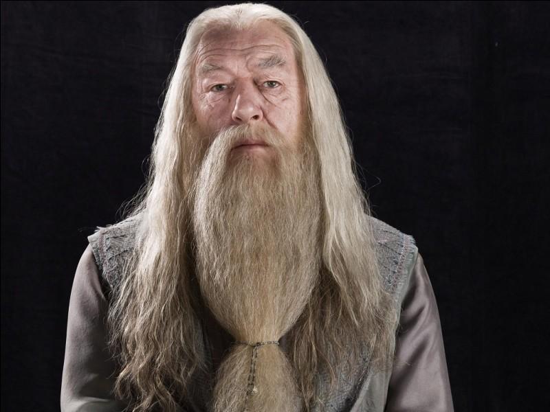 Quel est le nom complet de Dumbledore ?