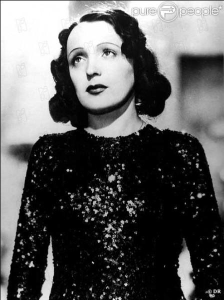 """Quelle personnalité morte le lendemain de la mort d'Edith, écrit à l'annonce du trépas de La Môme : """" Je n'ai jamais connu d'être moins économe de son âme. Elle ne la dépensait pas, elle la prodiguait, elle en jetait l'or par les fenêtres »"""
