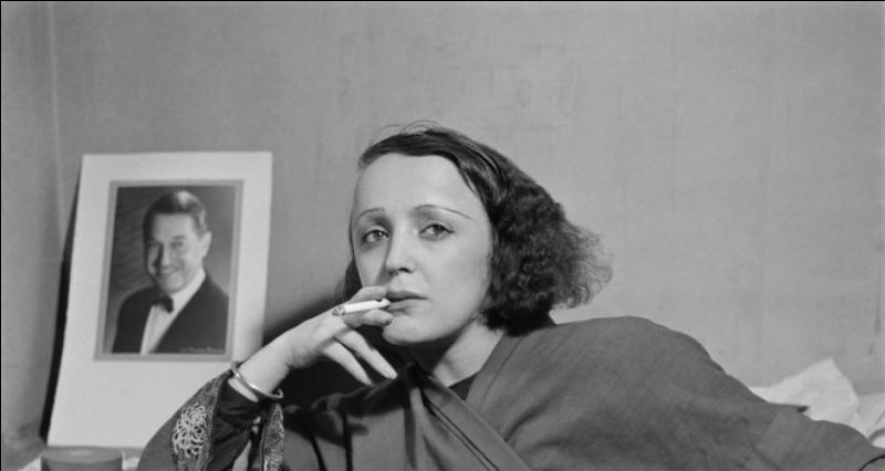 Combien de chansons Edith a-t-elle écrites au cours de sa vie ?