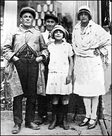 Parmi ces anecdotes sur l'enfance d'Edith, laquelle est fausse ?