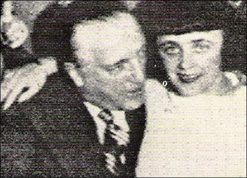 Comment s'appelle le gérant de cabaret, qui remarque Edith au coin de l'avenue Mac-Mahon et de la rue Troyon en 1935 ?