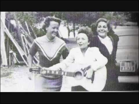 Quel est le titre du premier disque d'Edith sorti en 1936 ?