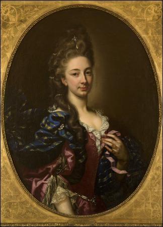Lors de cette remise, la jeune Marie-Antoinette va faire la connaissance de sa première dame d'honneur. Qui est-elle ?