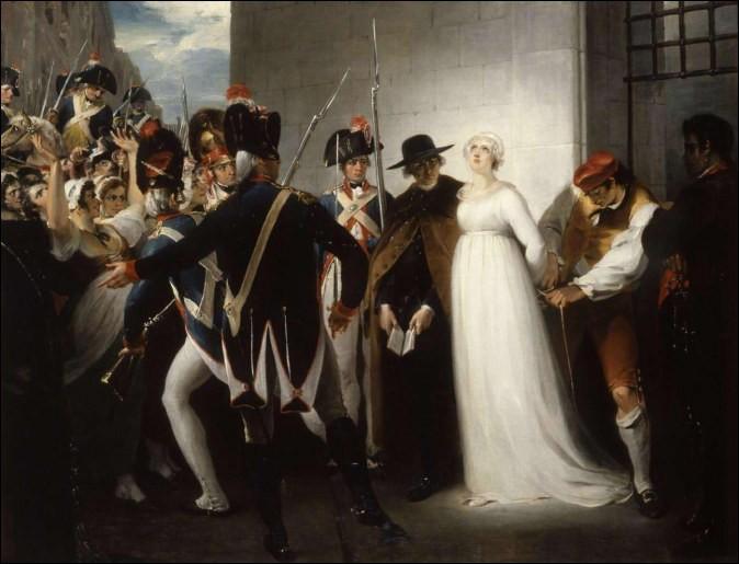 Lorsqu'elle se rend sur l'échafaud à l'issue de son procès, Marie-Antoinette a demandé pardon. À qui et pourquoi ?