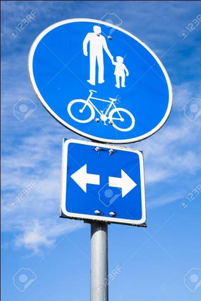 Dans le Code de la route, que signifie le panneau rond à fond bleu avec un vélo blanc ?