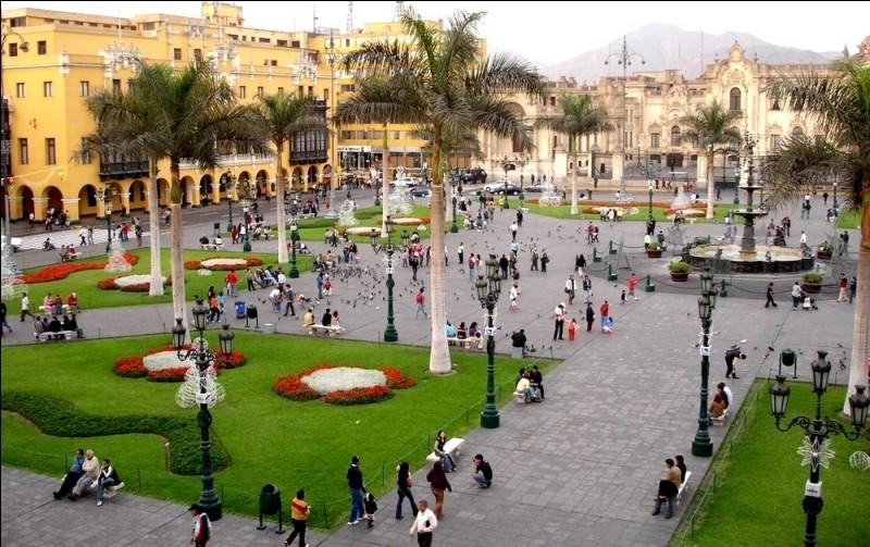 Ville d'Amérique latine, capitale du Pérou :