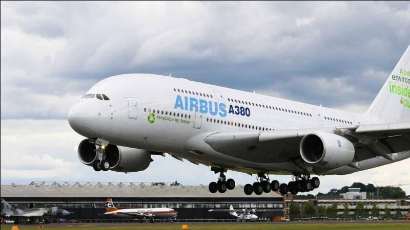 Pourquoi la plupart des avions de ligne sont-ils de couleur blanche ?