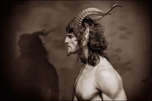 Avec quelle déesse des constellations eut-il le malicieux Pan ?