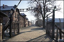 Parmi ces hommes, qui a réussi à s'enfuir du camp d'Auschwitz ?