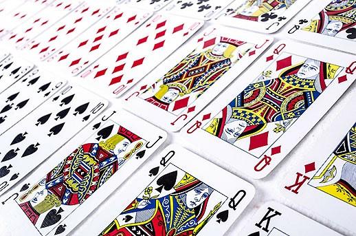 À quelle famille du jeu de cartes appartiens-tu ?
