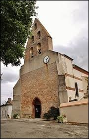 Nous sommes en Occitanie devant l'église Saint-Pierre d'Esparsac. Commune de l'arrondissement de Castelsarrasin, elle se situe dans le département ...