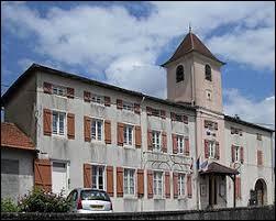 Village de l'ancienne région Lorraine, Racécourt se trouve dans le département ...
