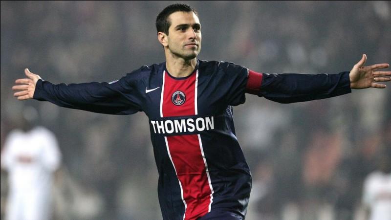 Lors de la saison 2003-2004, quel gardien Pauleta lobe-t-il pour la victoire 2-1 du PSG contre l'OM ?