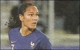 En Coupe du Monde féminine de football, qui a marqué deux buts de la tête le 7 juin contre la Corée du Sud ?