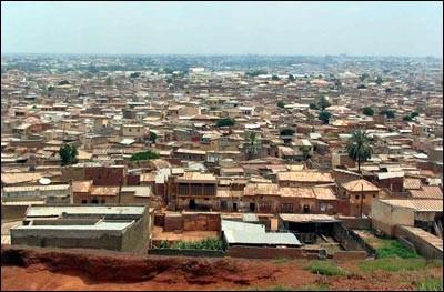 Deuxième ville du Nigéria avec plus de 3 millions d'habitants :