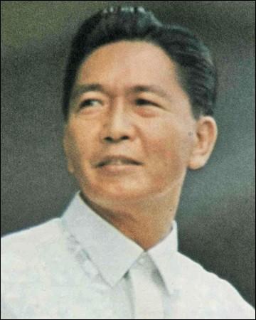 Pays : Philippines Date : 1917-1989Faits : l'assassinat de Benigno Aquino, corruption, détournement de fonds, népotisme Chute : poussée à l'exil par l'armée et l'opposition. Mort en exil à Hawaï Quel est cet homme ?