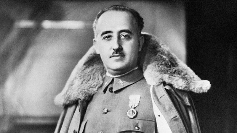 Pays : Espagne Date : 1892-1975Faits : répression des républicains, terreur blanche, purge de la population Chute : mort de maladie Quel est cet homme ?