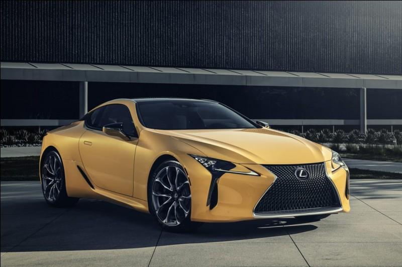 Issue des objectifs de conquête de nouveaux marchés, Lexus émerge du groupe Toyota en 1989. Pourquoi ce nom, Lexus ?