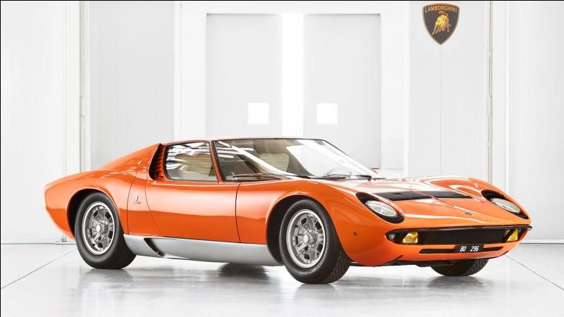 Lamborghini a pour coutume d'utiliser des noms issus de la tauromachie, le taureau est le signe du zodiaque de Ferruccio Lamborghini le fondateur, pour désigner ces modèles. Plus précisément, de quel aspect de la tauromachie provient le nom Miura, celui de la première voiture emblématique de Lamborghini ?