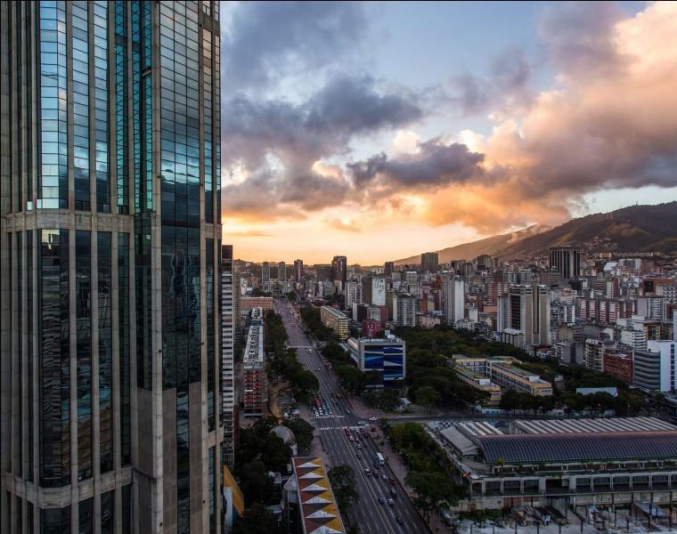 Quelle ville se trouve le plus au nord de l'Amérique du Sud ?