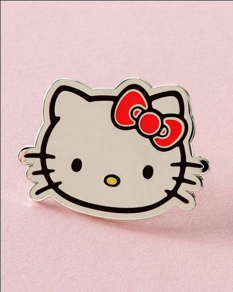 Hello Kitty, est un célèbre personnage d'une animation japonaise. Que porte-t-elle souvent dans ses cheveux ?