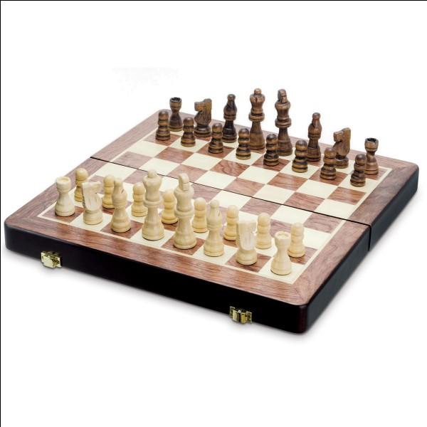 Aux échecs, quelle pièce ne peut bouger qu'en diagonale ?