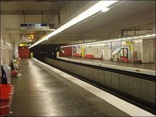 ''Aubervilliers-Pantin-Quatre Chemins'' est une station qui fut ouverte le 4 octobre 1979 sur la ligne 7, dans le cadre du prolongement de la ligne ''Porte de la Villette'' à ''Fort d'Aubervilliers''. Dans quel département d'Île de France se situent ces deux villes ?