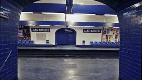 ''Alma - Marceau'' est une station de la ligne 9 ouverte le 27 mai 1923. Elle doit son nom au pont et à la place de l'Alma d'une part, ainsi que de l'avenue Marceau d'autre part. Qui était ce fameux Marceau ?