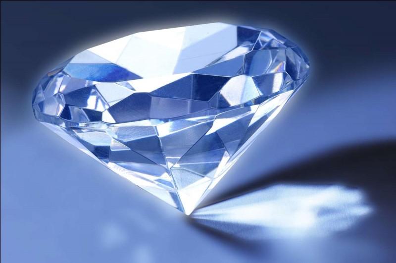 De quelle couleur est le diamant que taillent les Sept Nains ?