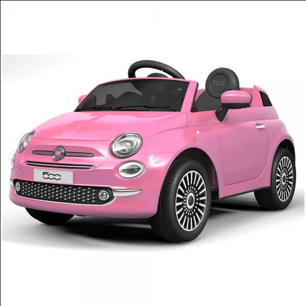 Quelle est la couleur se cette voiture ?