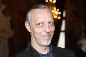 """Chanteur et surtout acteur de théatre, de cinéma et de productions télévisées comme """"Philharmonia"""" en 2019 :"""