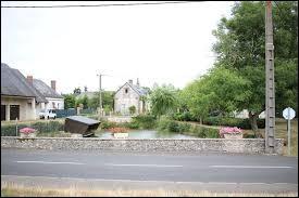 Nous terminons cette balade dans le Centre-Val-de-Loire, à Saint-Nicolas-des-Motets. Commune de l'arrondissement de Loches, elle se situe dans le département ...