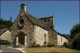 Nous commençons notre balade devant l'église Saint-Victor d'Antignac. Commune Cantalienne, dans la vallée de la Sumène, elle se situe dans l'ancienne région ...