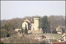 Je vous propose de partir en Auvergne-Rhône-Alpes à la découverte du château de Poizieu, à Chozeau. Commune de l'arrondissement de La Tour-du-Pin, dans l'aire urbaine Lyonnaise, elle se situe dans le département ...