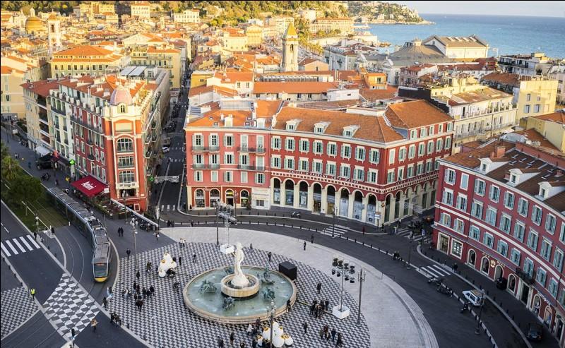 Laquelle de ces personnalités politiques n'est pas née à Nice ?