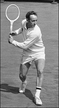 Joueur de tennis australien, considéré comme le n°1 mondial indiscutable de 1965 à 1969 :