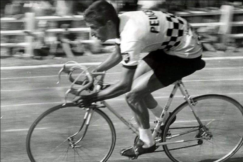 Premier cycliste anglais à remporter des courses de dimension internationale, champion du monde en 1965 :