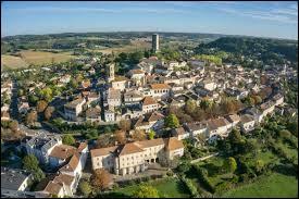 Je vous emmène à présent en Midi-Pyrénées, à la découverte de Montcuq. Ancienne commune du Quercy blanc, elle se situe dans le département