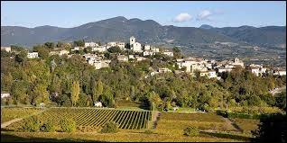 Pour finir cette grande balade, nous partons à Vinsobres. Commune viticole rhônalpine, elle se situe dans le département ...