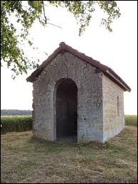 Nous sommes en Lorraine devant la chapelle Notre-Dame-de-la-Salette de Sassey-sur-Meuse. Nous nous trouvons dans le département ...