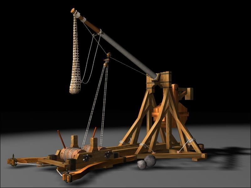 Quel est le nom de cette arme médiévale, dite à contrepoids ?