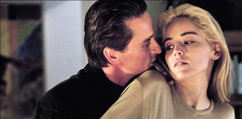 """Dans le film """"Basic Instinct"""", avec Sharon Stone et Michael Douglas, quelle est l'arme du crime ?"""