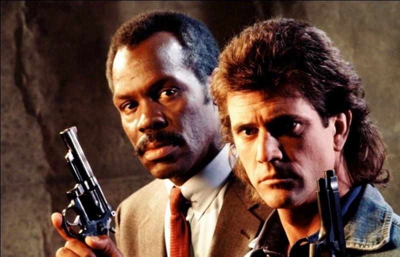 """Dans """"L'Arme fatale"""", quel acteur donne la réplique à Mel Gibson ?"""