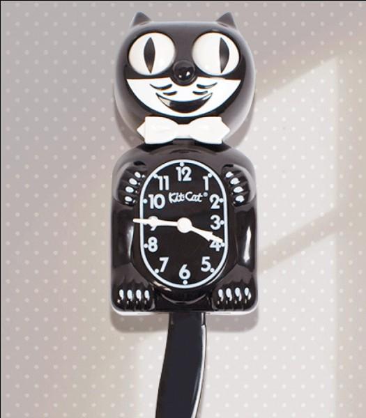 """N'oubliez pas que vous devez rentrer chez vous à 17 h pour ne pas rater votre feuilleton préféré ! Mais catastrophe, vous n'avez pas de montre ! Heureusement, vous connaissez le mot """"heure"""" en allemand, c'est """"..."""" et vous demandez donc à un passant."""